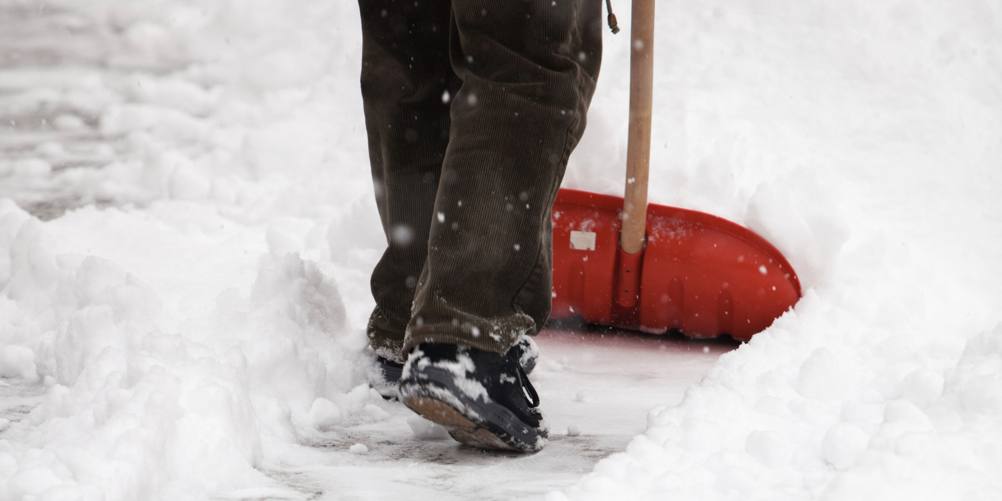 Make sure you're shovelling your snow safely this winter.