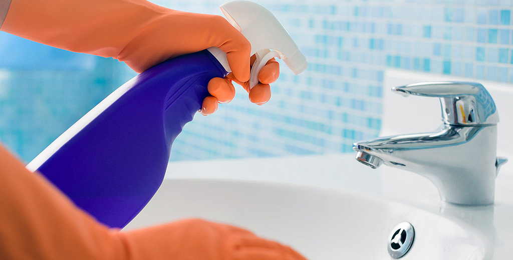Do a deep clean of the bathroom to prepare for house guests during the holiday season!